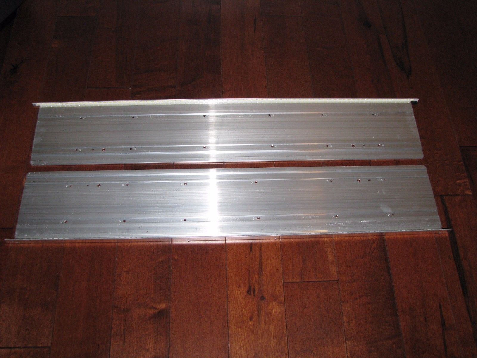 LG 60LM7200 LED Backlight Strip Set (left and right) 6922L 0035A