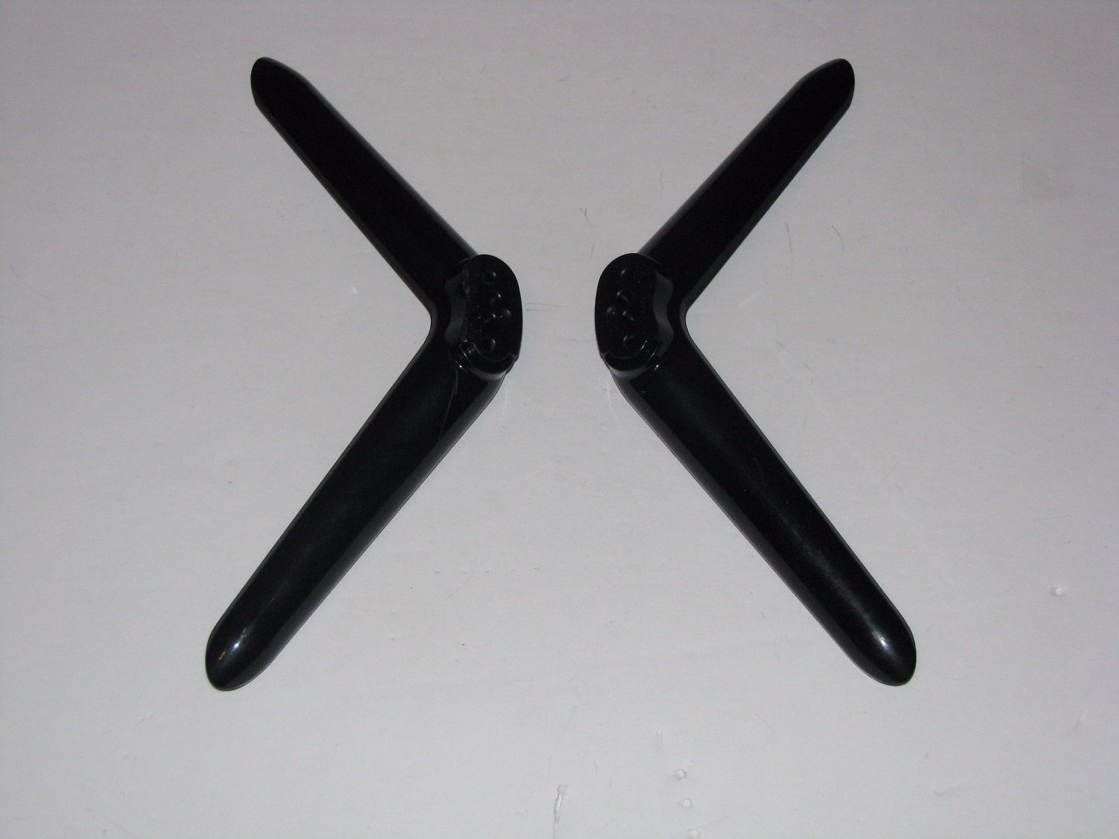 TCL 50FS3800 48FS3750 68-739370 68-739380 TV STAND LEGS With SCREWS